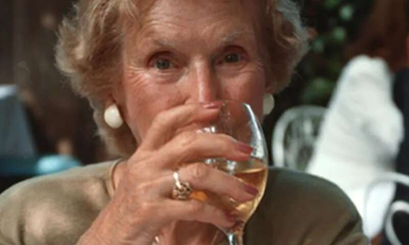 Low-to-moderate drinking may protect cognition during aging